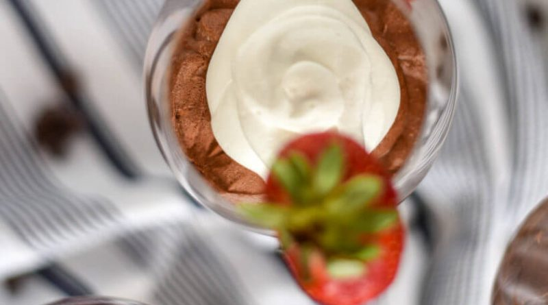 Red-Wine-Eggless-Chocolate-Mousse